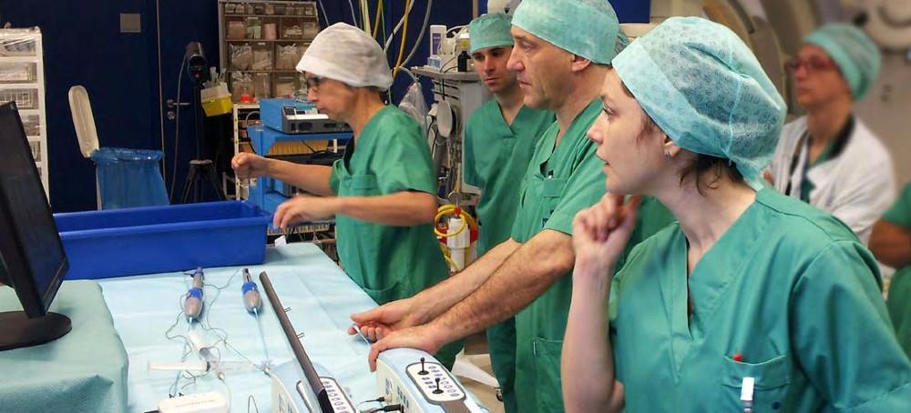 Interventionelle Verfahren vor der Operation üben mit Simulator